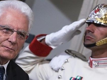 Crisi di governo, tempo fino a martedì Mattarella chiede «decisioni sollecite»