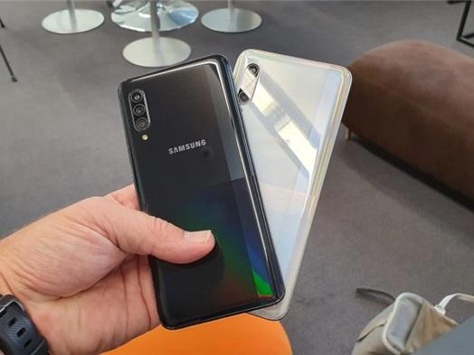 """Samsung Galaxy A71: nuovo smartphone 5G """"economico"""" previsto per il 2020"""