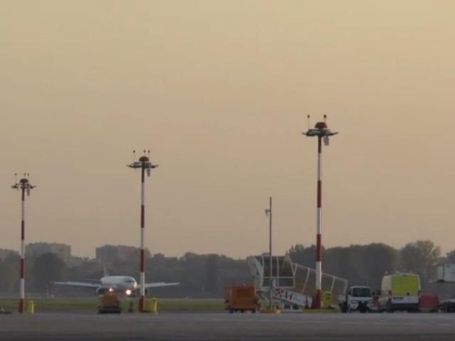 Ore 18: atterra il primo volo sulla nuova pista di Linate