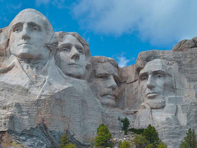Monte Rushmore: celebre monumento nazionale americano
