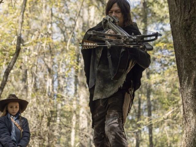 """The Walking Dead 10 chiude i battenti con un finto finale e con Beta fuori di testa: anticipazioni """"ultimo"""" episodio 6 aprile"""