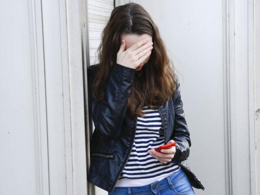 Il 5 per cento degli adolescenti italiani soffre di emicrania con aura