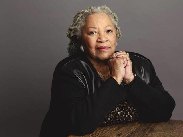 Morta Toni Morrison, la prima afroamericana a ricevere il Nobel per la Letteratura