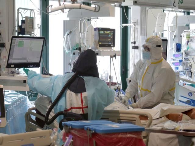 Risalgono di poco i nuovi casi, ancora sopra 600 i decessi