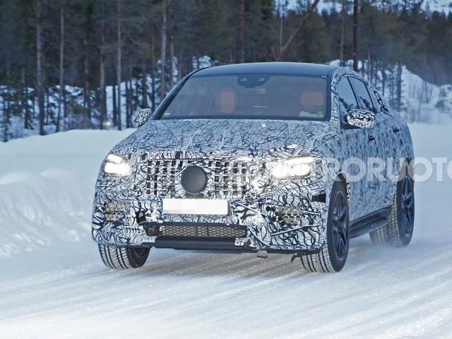 Mercedes-AMG - Proseguono i collaudi della GLE Coupé