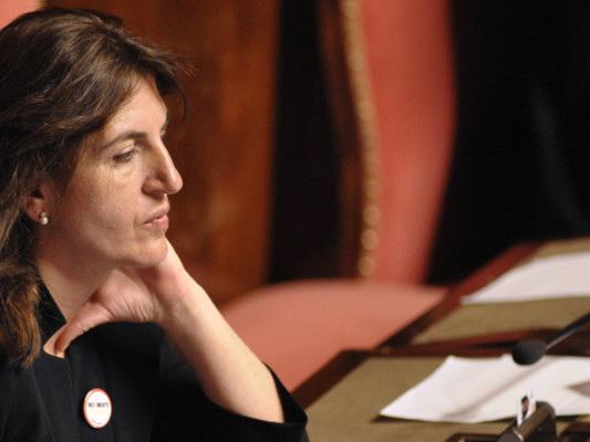 Chi è Nunzia Catalfo, ministra del Lavoro e'madrina' del reddito di cittadinanza
