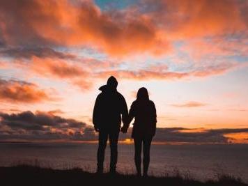 """Una coppia e un viaggio alla cieca. """"Cose che succedono la notte"""" di Peter Cameron"""