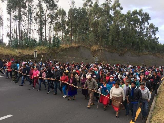 Ecuador: il tradimento di Lenín. Polizia ed esercito attaccano gli indios che protestano contro FMI ed estrattivismo