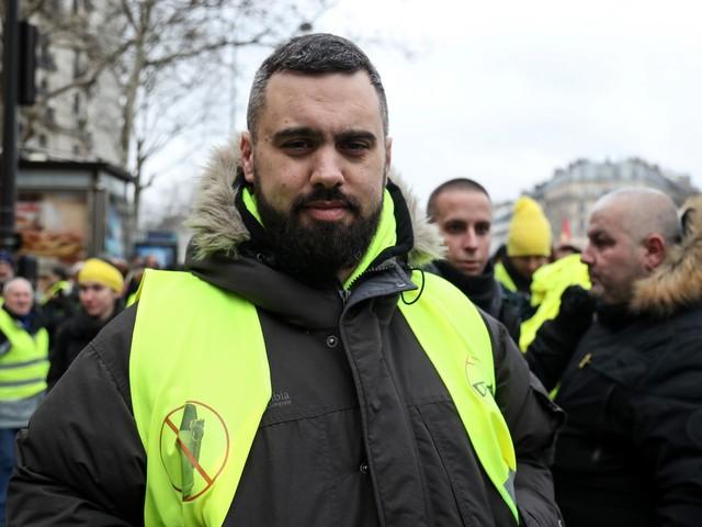"""Il """"falco"""" dei gilet gialli stanco della rivoluzione: """"Mi fermo, troppo odio"""""""