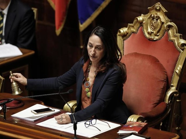 La madre di Paola Taverna dovrà lasciare la casa occupata abusivamente