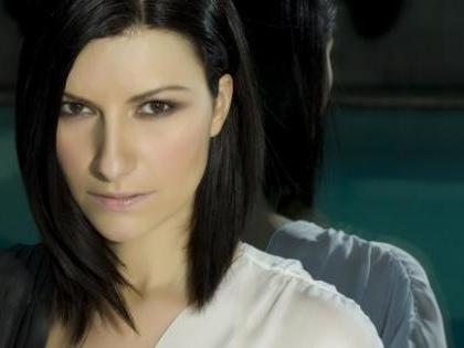 """Laura Pausini furiosa: hanno leakato il suo nuovo singolo """"In questa nostra nuova casa"""""""