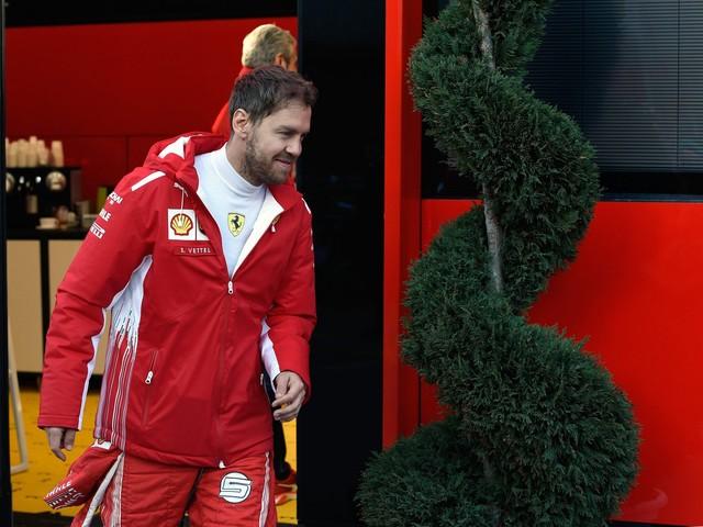 F1 Singapore, Vettel a muro nelle prove libere 2