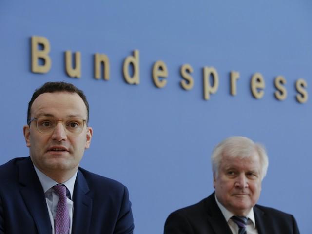 Il sogno di Spahn: diventare cancelliere. Ma la Germania è pronta al leader gay?