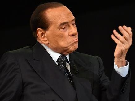 Corruzione, Berlusconi indagato a Roma