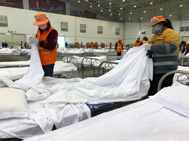 Coronavirus, in Cina superati i mille morti