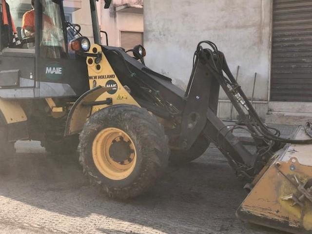 Via De Gasperi, la ciclabile porta in dote il rifacimento del manto stradale