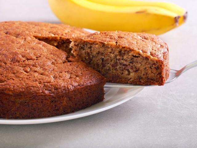 Torta di banane e yogurt: la ricetta del dolce soffice e profumato