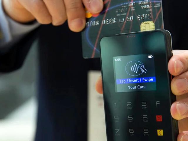 Quanto costa attivare (e mantenere) il bancomat e la carta di credito