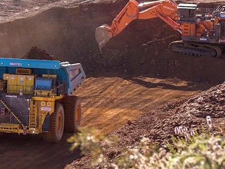 Guida autonoma: record di un miliardo di tonnellate di materiale minerario estratto con la flotta di camion a guida autonoma