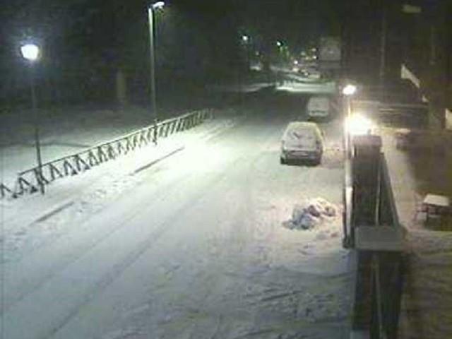 Maltempo, notte da lupi al Sud: bufere di neve in Calabria e Sicilia [LIVE]