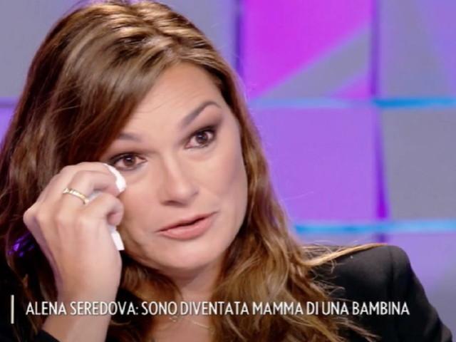 Alena Seredova di nuovo mamma, parla dei figli e si commuove