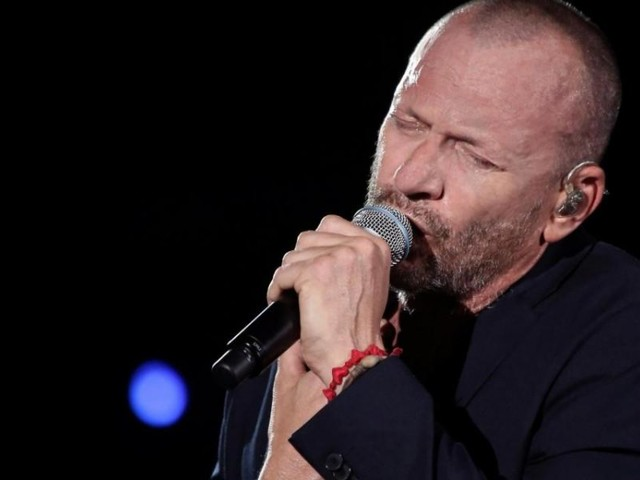 Chiaramente Visibili Dallo Spazio è il nuovo album di Biagio Antonacci atteso a novembre dopo il 1° singolo