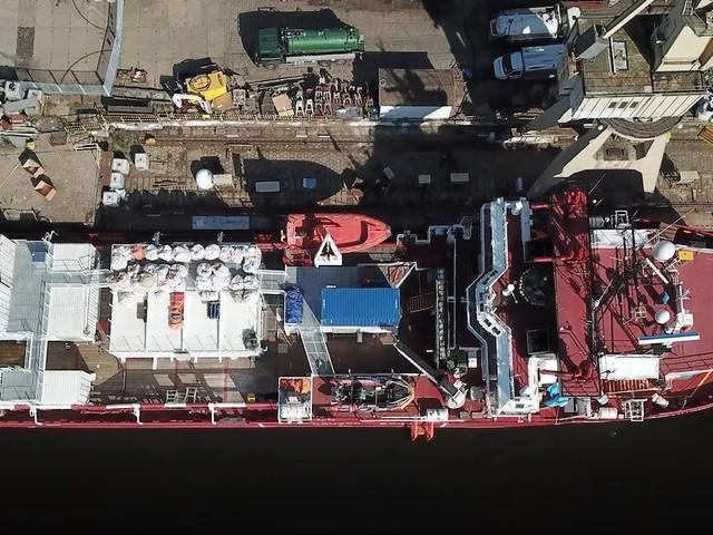 Una nave da 14 mila euro al giorno. Ecco il colosso Ong che sfida l'Italia