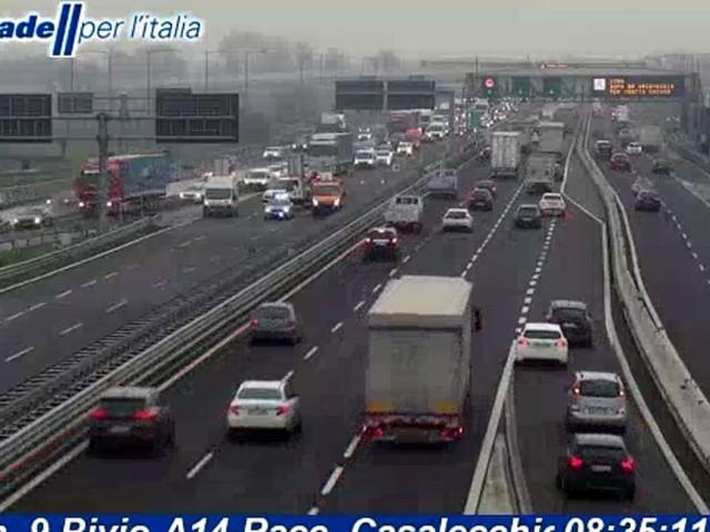 Incidente in A14: scontro tra camion, tratto autostradale chiuso