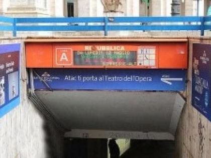 Roma, in cerca di un posto dove dormire fa scattare l'allarme nella metro