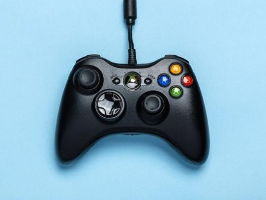 Come collegare il joystick Xbox 360 al telefono