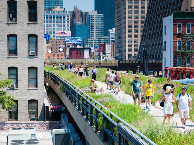 High Line di New York, la ferrovia si trasforma in una piazza