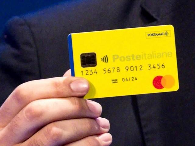 Reddito di cittadinanza: già consegnate card con i soldi, ma sulle cifre monta la polemica