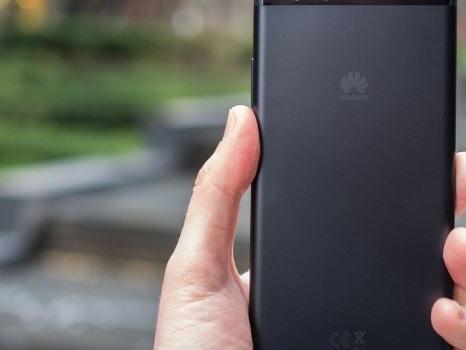 Scatta questa domenica il rollout di EMUI 9 per Huawei P10 Plus Tre: in ritardo i TIM