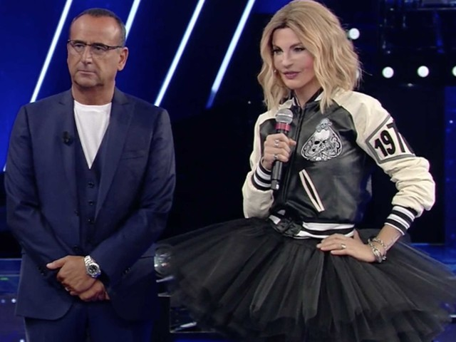 A Tale e Quale Show imitano Emma Marrone, Carlo Conti e la giuria la salutano commossi