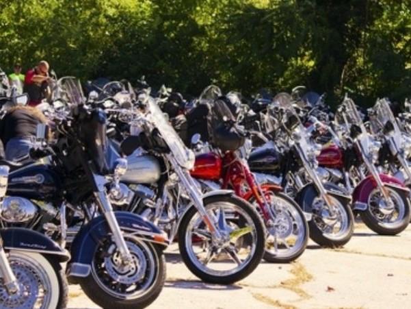 Pescara, piazza Salotto aperta a moto e scooter in occasione del raduno del 31 Agosto e 1 settembre