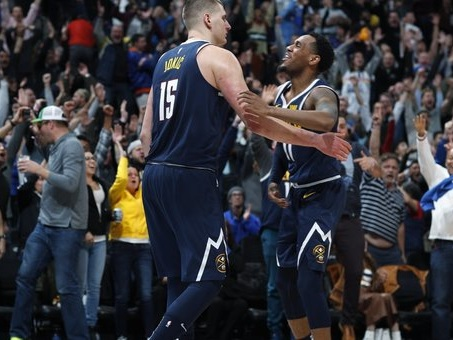Nba, Denver batte Dallas e si avvicina alla vetta