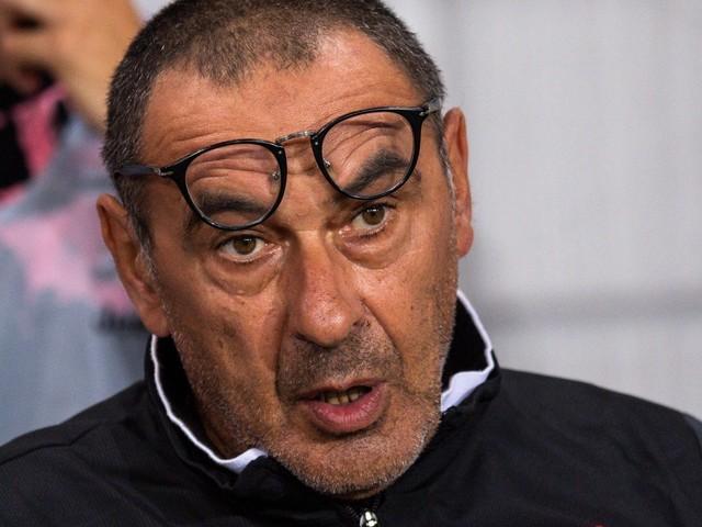 Juve, Sarri non sarà in panchina a Parma e contro il Napoli