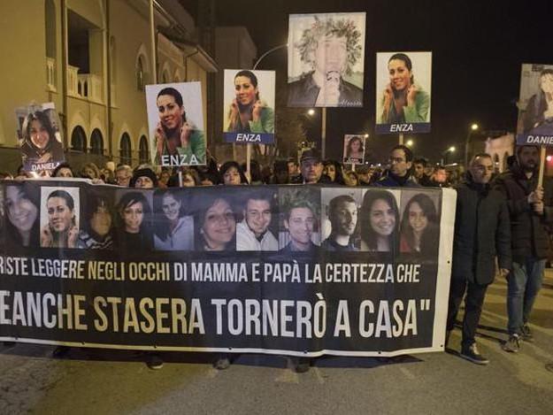 Sisma L'Aquila:familiare vittime,inaugurazione è passerella