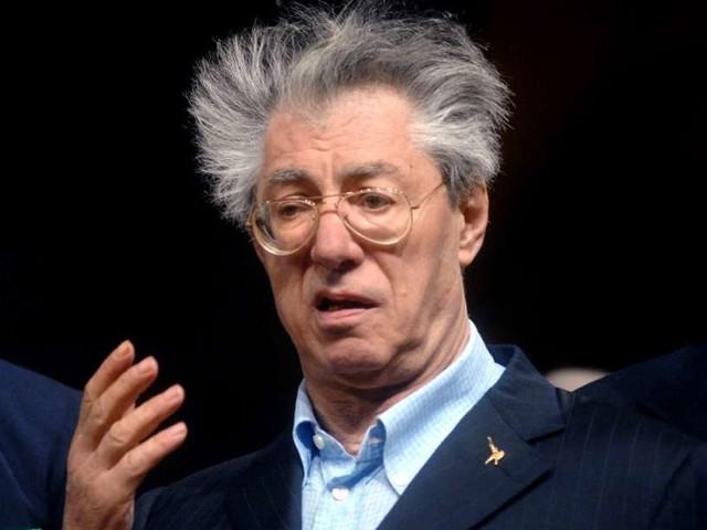 """Umberto Bossi, dopo il duro colpo di salute. I medici: """"si è svegliato"""""""
