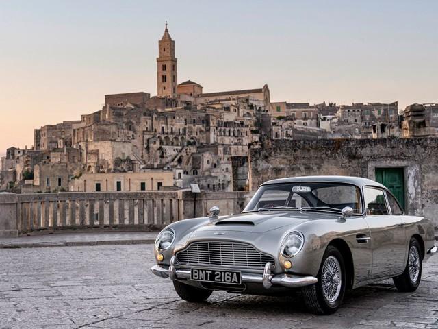 Le quattro Aston Martin che vedremo in 007 No Time to Die