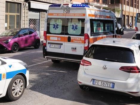Spray urticante sul bus a Trieste, donna denunciata