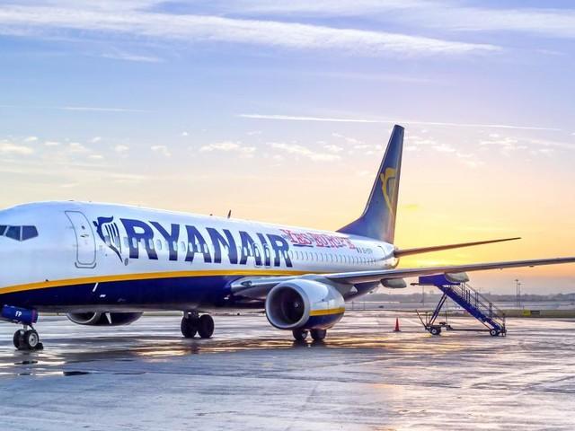 Ryanair assume assistenti di volo: in Italia, selezioni tra luglio ed agosto