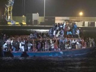 """Immigrati, tensione Germania e Italia: """"I tedeschi rimandano qui i migranti sedati"""""""