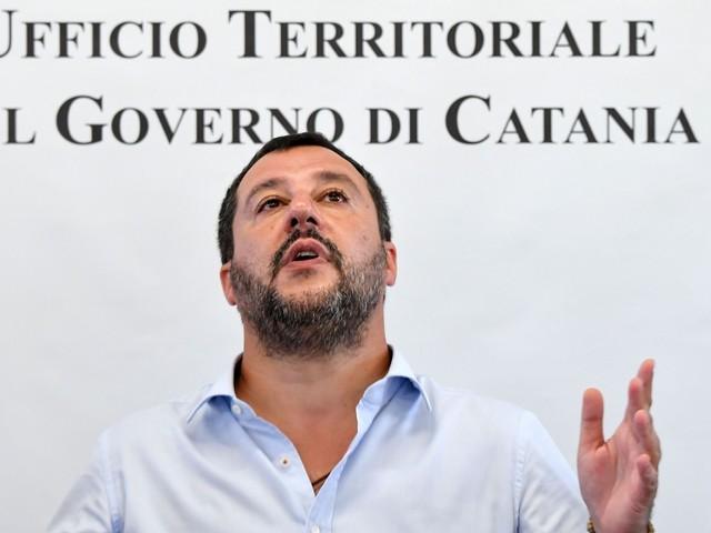 Le mosse azzardate del pokerista Salvini