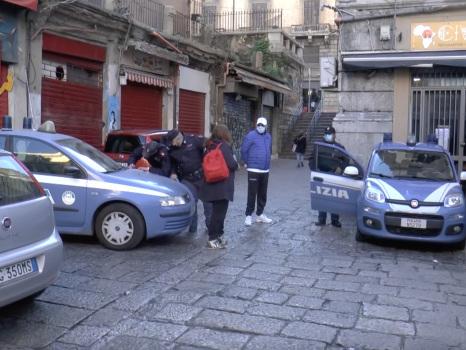 Zona rossa a Palermo, in giro senza mascherina e giustificazione: un arresto e 134 multe