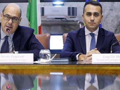 """Zingaretti riforma il Pd: """"Sì a polo progressista con i 5 Stelle"""""""