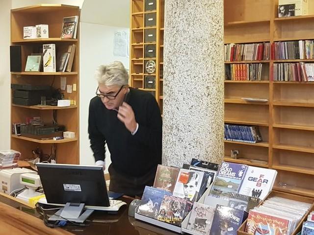 Il Record Store Day a Milano, la storia sotto l'insegna di Buscemi Dischi