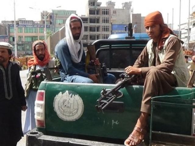 I talebani sparano sui manifestanti a Jalalabad, due morti