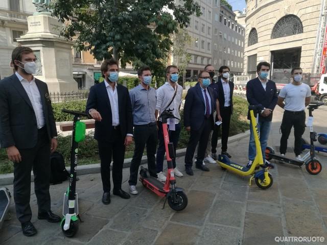 Milano - Monopattini in cerca di sicurezza
