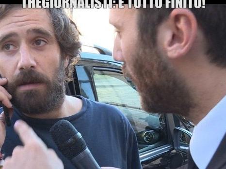 """Tommaso Paradiso a Le Iene parla dei Thegiornalisti con replica di Rissa: """"Ha agito per soldi"""""""